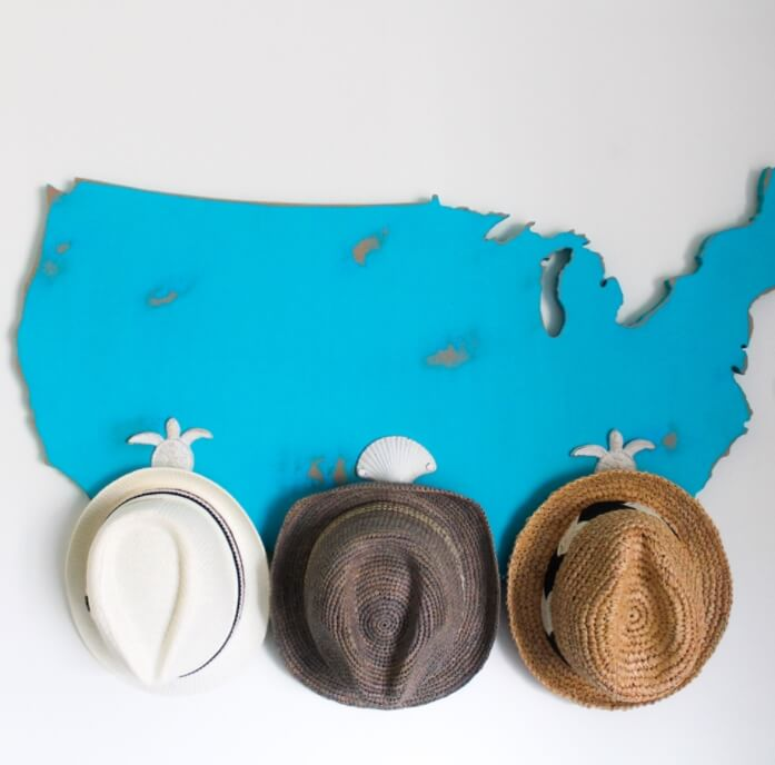 DIY World Map Hat Rack #hatrack #diy #organizer #decorhomeideas