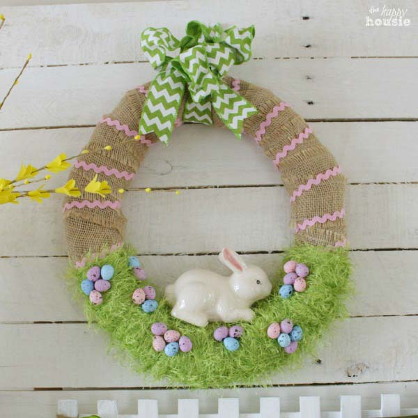 Easter Bunny in the Grass Wreath #easter #diy #porch #decor #decorhomeideas