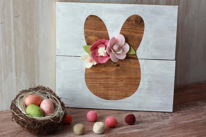Easter Bunny Sign Final #easter #diy #wood #crafts #decorhomeideas