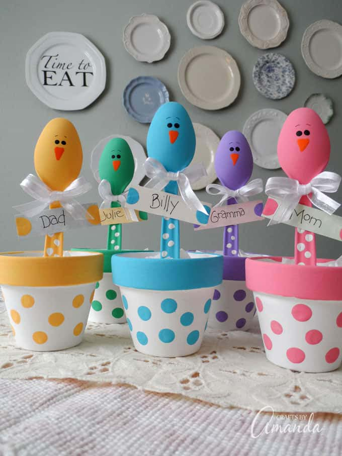 Easter Chick Craft Colorful Place Holders #easter #diy #dollarstore #crafts #kids  #decorhomeideas