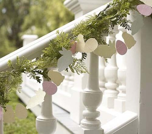 Easter Glitter Garland #easter #diy #porch #decor #decorhomeideas