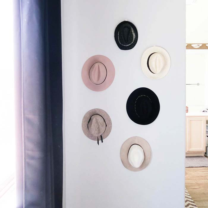 Easy DIY Hat Wall #hatrack #diy #organizer #decorhomeideas