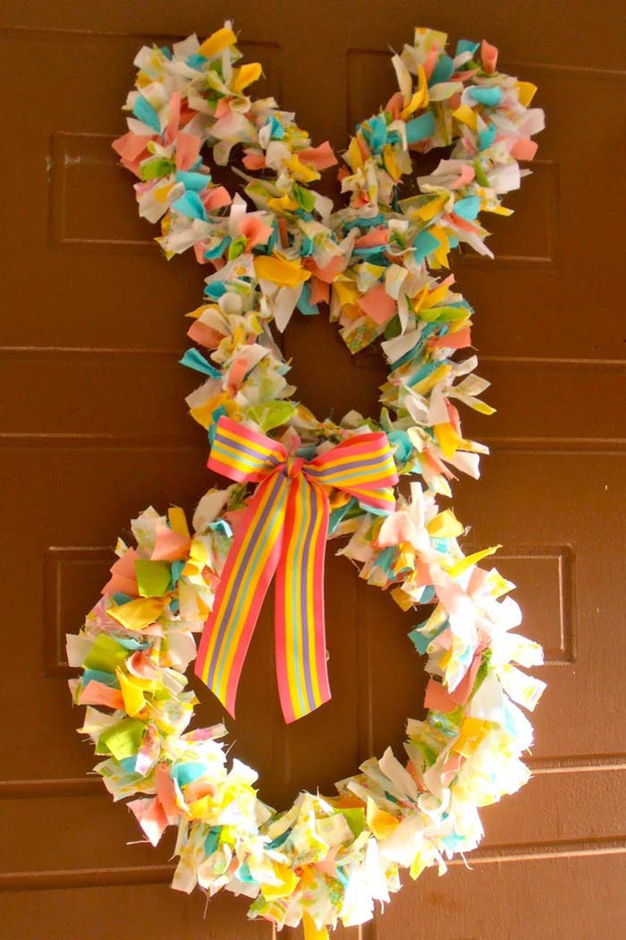 Fabric Scrap Easter Bunny #easter #diy #cheap #decor #decorhomeideas