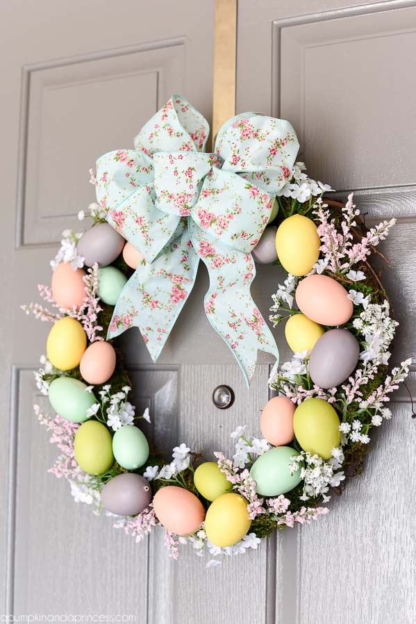 Floral Easter Egg Wreath #easter #diy #porch #decor #decorhomeideas