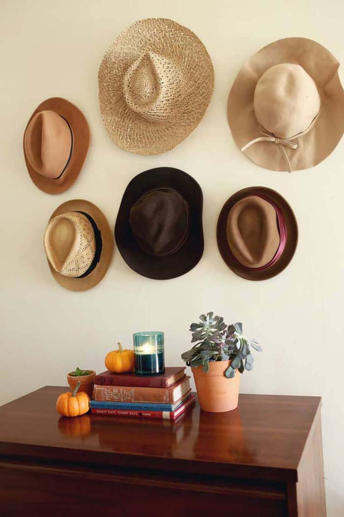 Hat Gallery Wall #hatrack #diy #organizer #decorhomeideas