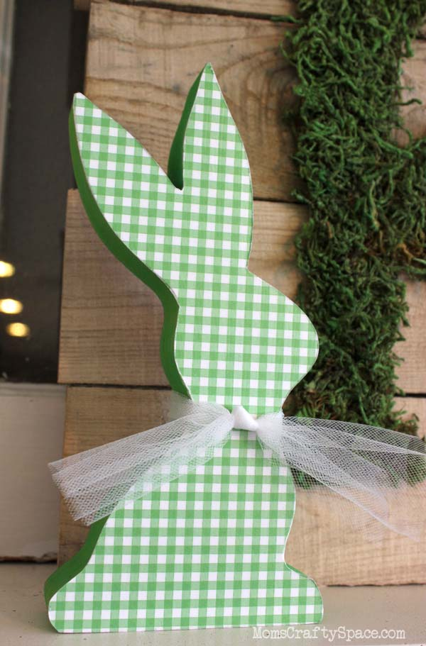 Mod Podged Wooden Easter Bunnies #easter #diy #wood #crafts #decorhomeideas