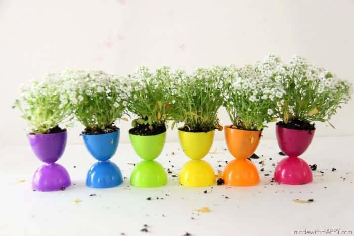 Plastic Egg Planter #easter #diy #cheap #decor #decorhomeideas