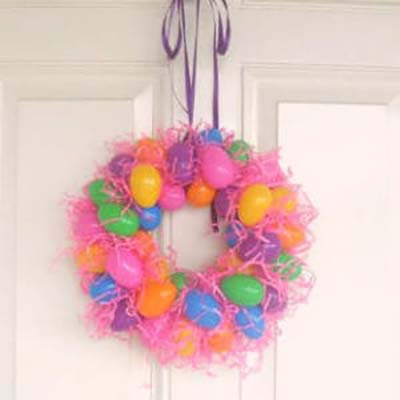 Plastic Egg Wreath #easter #diy #cheap #decor #decorhomeideas