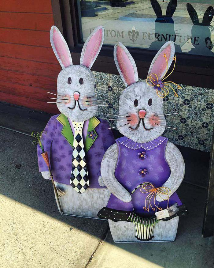 Rabbit Couple #easter #diy #porch #decor #decorhomeideas