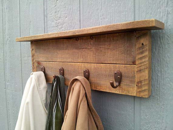 Pallet Hat and Coat Rack #hatrack #diy #organizer #decorhomeideas