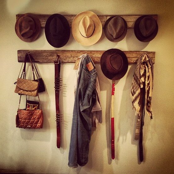 Reclaimed Wooden Boards Hat Rack #hatrack #diy #organizer #decorhomeideas