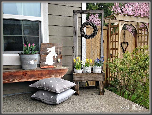 Rustic Easter Front Porch #easter #diy #porch #decor #decorhomeideas