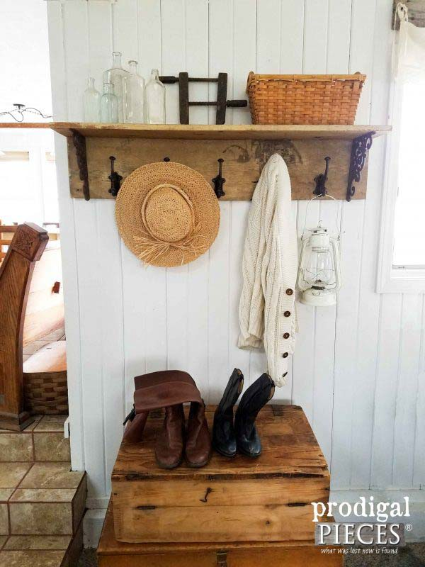 DIY Coat Rack Farmhouse Style #hatrack #diy #organizer #decorhomeideas