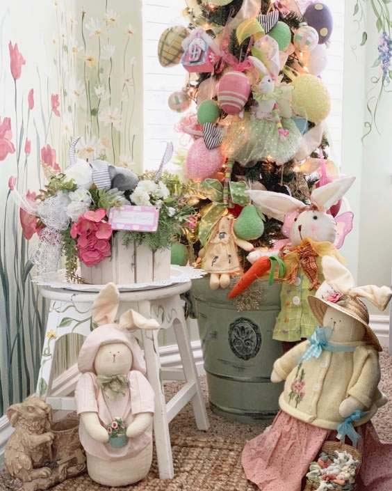 Secret Garden Easter Porch Decor #easter #diy #porch #decor #decorhomeideas