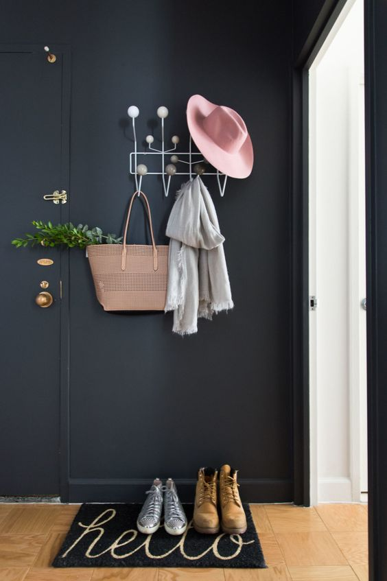 Simple Metal Wire Hat Rack #hatrack #diy #organizer #decorhomeideas