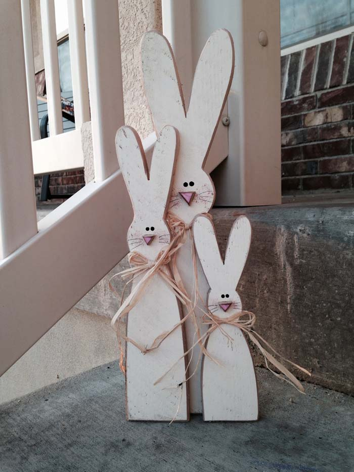 Skinny Bunnies Easter Porch Decor #easter #diy #porch #decor #decorhomeideas