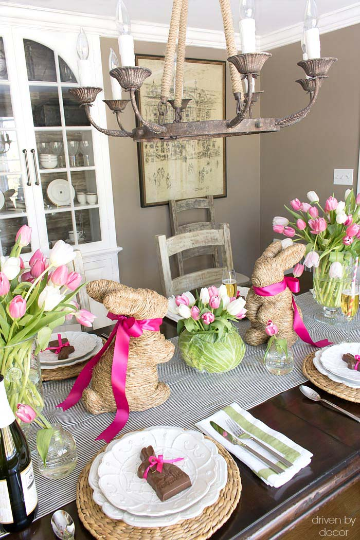 Spring easter table cabbage tulips centerpiece rabbits #easter #diy #centerpiece #decorhomeideas