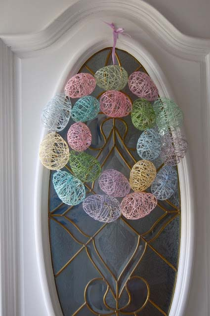 String Easter Egg Wreath #easter #diy #porch #decor #decorhomeideas