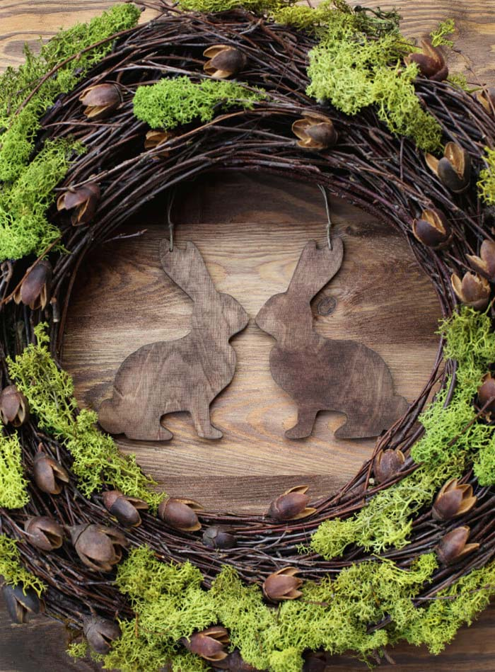 Twig and Green Moss Easter Bunny Wreath #easter #diy #rustic #decor #decorhomeideas