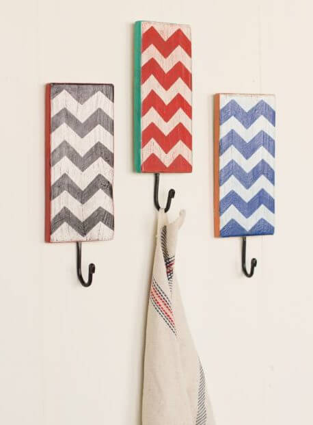 Unique Chevron Hooks For Hats #hatrack #diy #organizer #decorhomeideas