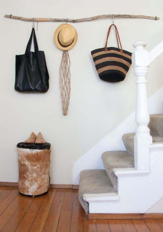 Wood Branch Hat and Bag Rack #hatrack #diy #organizer #decorhomeideas