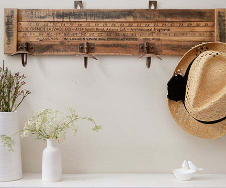Yardstick 4 Hook Coat Rack #hatrack #diy #organizer #decorhomeideas