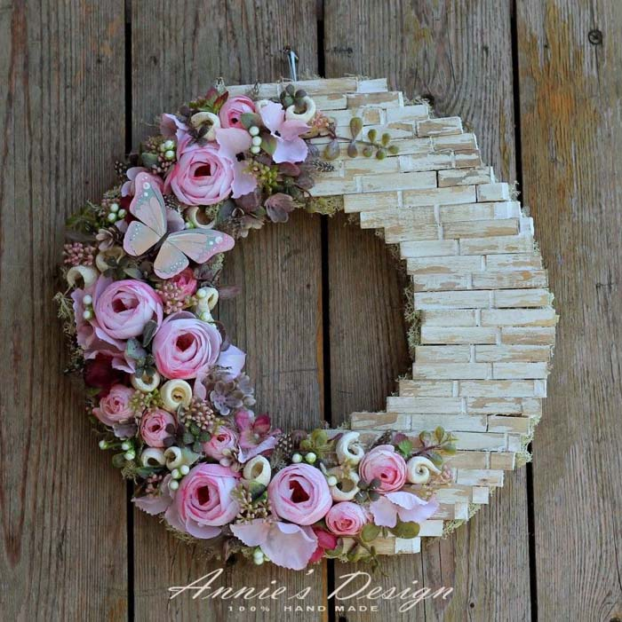Clothespins Make A Brick Wall Decorated With Faux Flowers #diy #clothespin #wreath #crafts #decorhomeideas