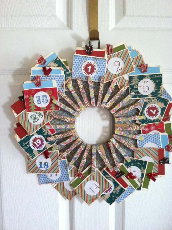 Wreath From Clothespins With Date Cards #diy #clothespin #wreath #crafts #decorhomeideas