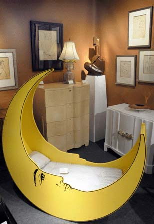 Crescent Moon Shaped Childs Bed #moon #crib #baby #cot #decorhomeideas