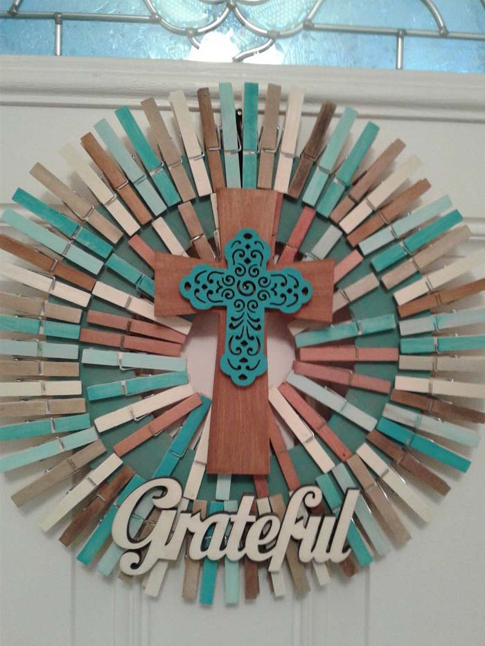 Cross Motif On Wreath #diy #clothespin #wreath #crafts #decorhomeideas