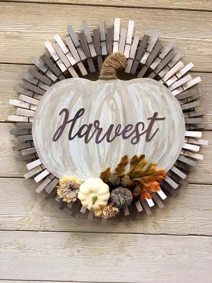 Fall Harvest Pumpkin Wreath #diy #clothespin #wreath #crafts #decorhomeideas