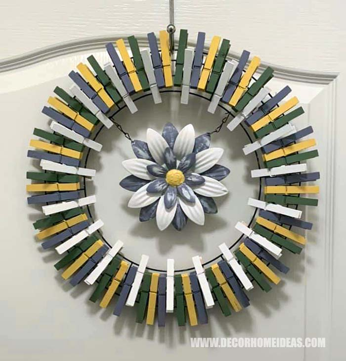Neutral Colored Clothespin Wreath #diy #clothespin #wreath #crafts #decorhomeideas