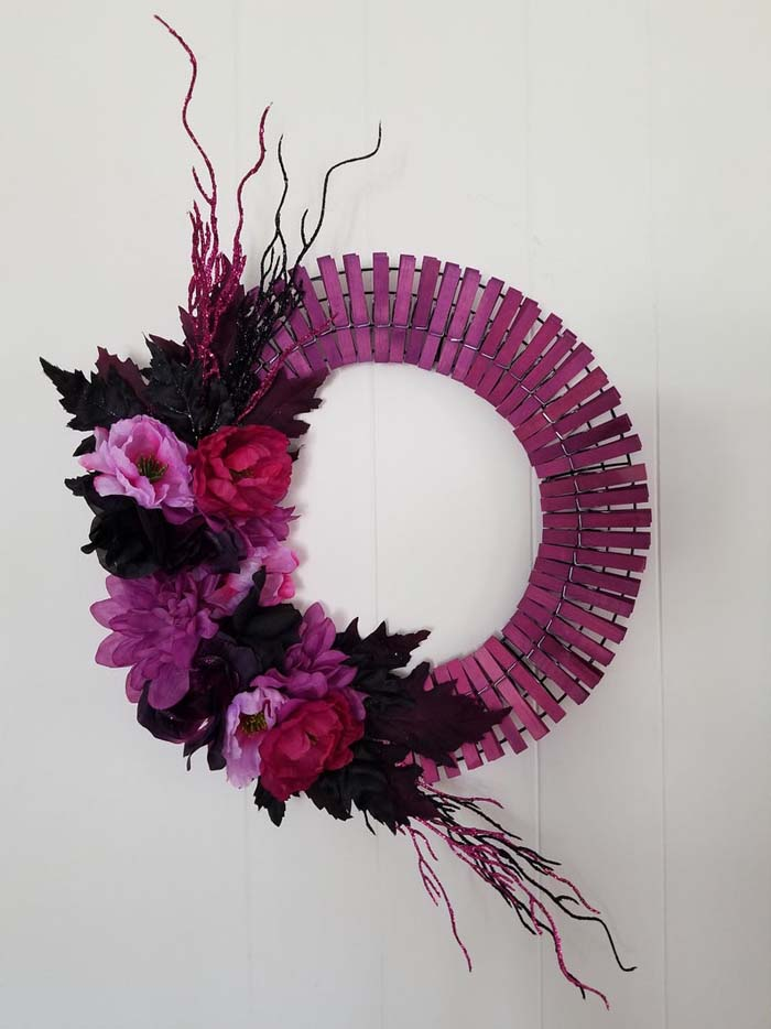 Purple And Black Flowers Wreath #diy #clothespin #wreath #crafts #decorhomeideas