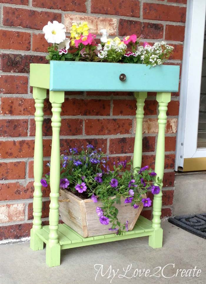 Repurposed Drawer and Table Legs Planter #diy #planter #wood #flower #pallet #decorhomeideas