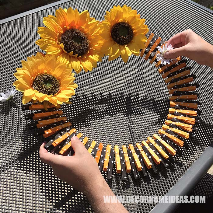 Sunflower Clothespin Wreath Step 4