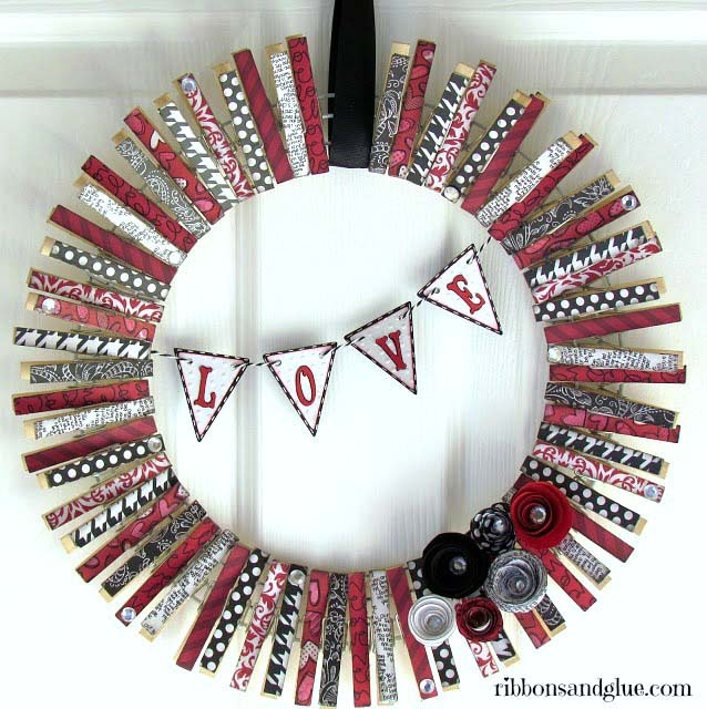 Valentine's Day Clothespin Wreath #diy #clothespin #wreath #crafts #decorhomeideas