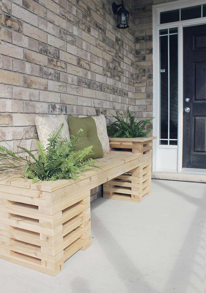 Wood Pallet Bench with Planters #diy #planter #wood #flower #pallet #decorhomeideas