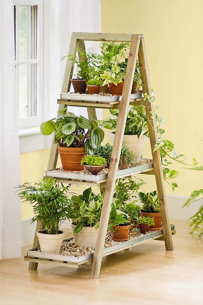 A-Frame Shelf Herb Garden #diy #herbgarden #herbs #garden #ideas #decorhomeideas