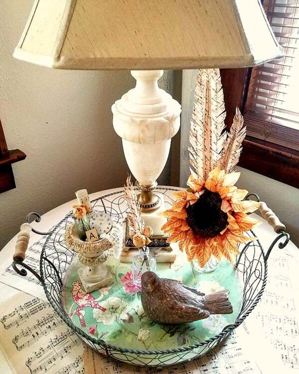 Alabaster Lamp Tablescape with Bird and Flower #diy #rustic #summer #decorations #decorhomeideas