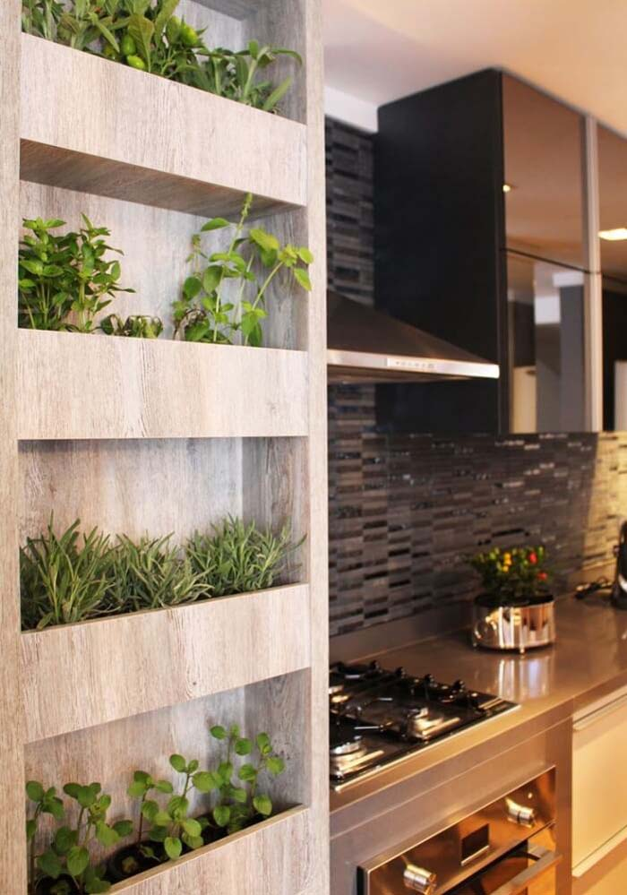 Built-In 'Mini Bookshelf' Herb Garden #diy #herbgarden #herbs #garden #ideas #decorhomeideas