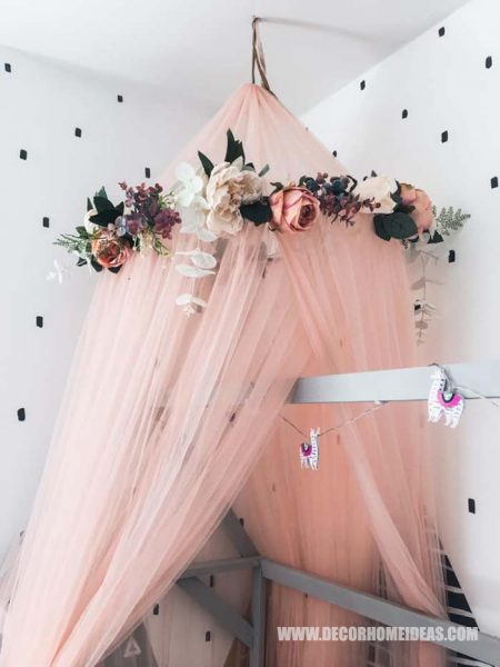 Canopy Embraced By Flower Wreath For House Bed How To Decorate Girl Room with Montessori method, DIY decorations and furniture, wall murals , play areas and toy storage. #diy #kidsroom #montessori #decor #decorhomeideas