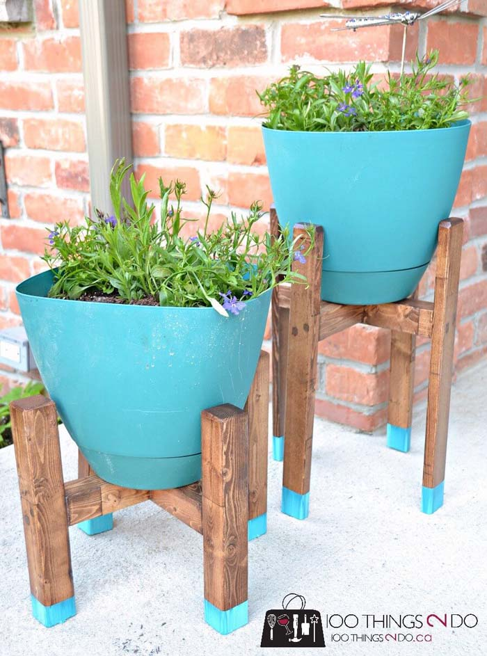 Chic Grecian Urn Style Plant Stands #diy #project #backyard #garden #decorhomeideas