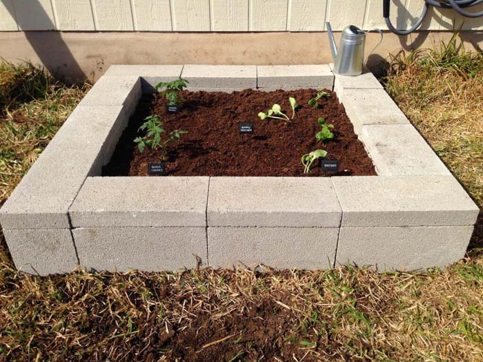 Cinder Block DIY Raised Garden Bed #raisedbed #garden #diy #cheap #decorhomeideas