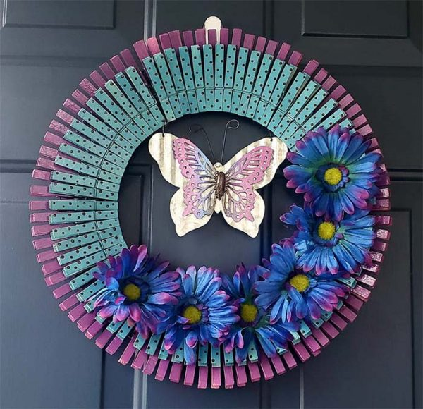 DIY Clothespin Butterfly Wreath #diy #clothespin #wreath #crafts #decorhomeideas