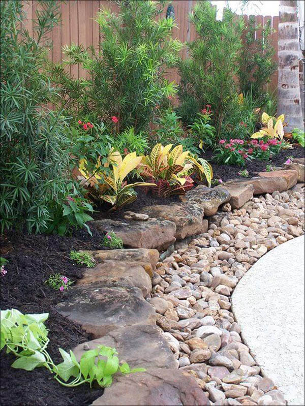 Garden Bed Edging Rocks And Pebbles
