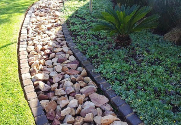 Garden Bed Edging With Pebbles
