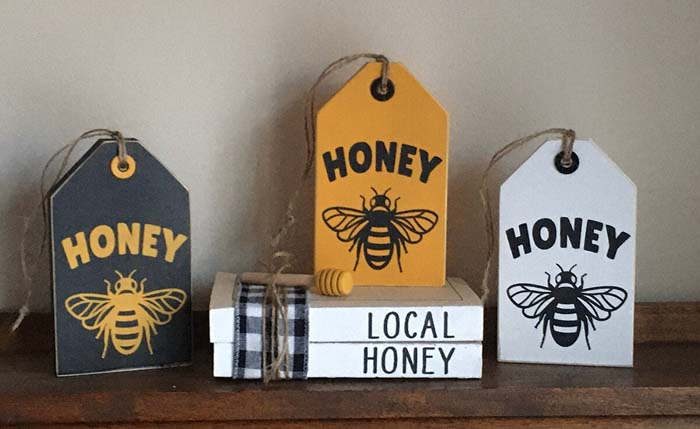 Honeybee Tag-Shaped Wooden Signs #diy #rustic #summer #decorations #decorhomeideas