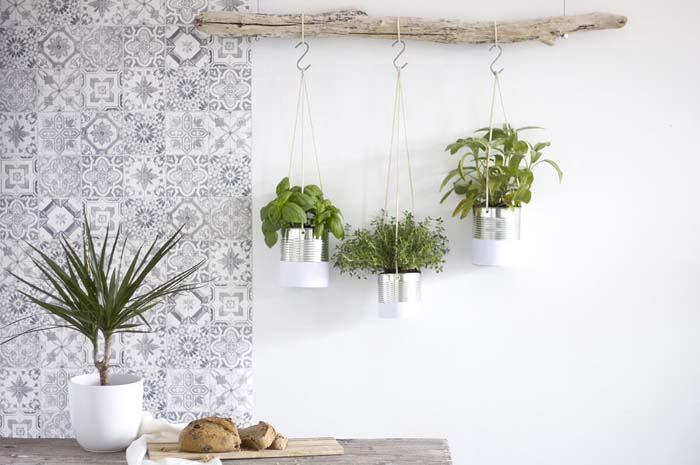 Nature-Inspired Driftwood and Tin Hanging Herb Garden #diy #herbgarden #herbs #garden #ideas #decorhomeideas