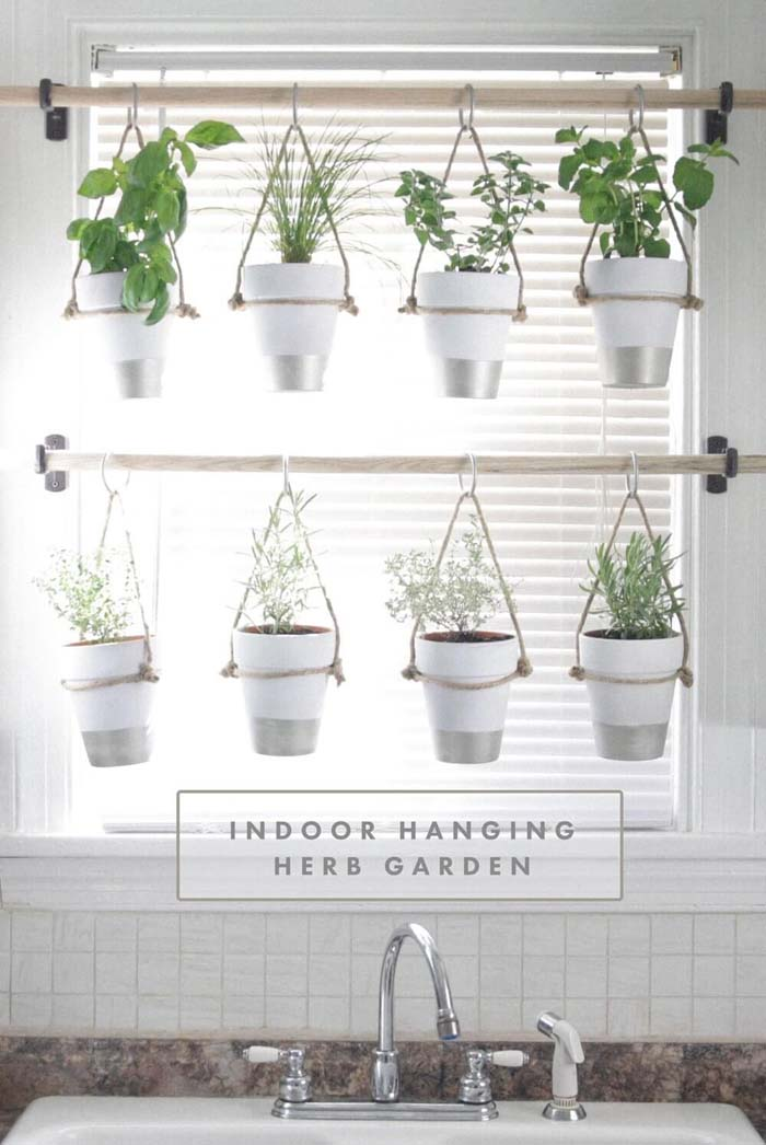 Painted Pots Hanging Herb Garden #diy #herbgarden #herbs #garden #ideas #decorhomeideas