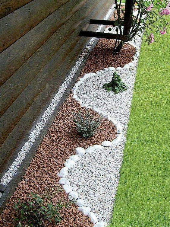 Pebbles Garden Bed Edging